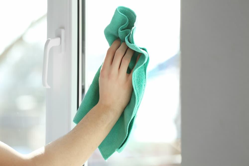 窓ガラス掃除