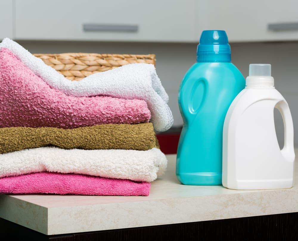 柔軟剤とタオル