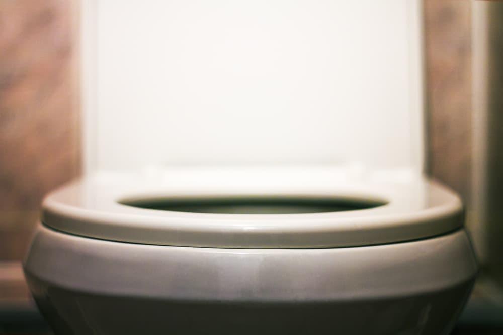 トイレの黒ずみ2