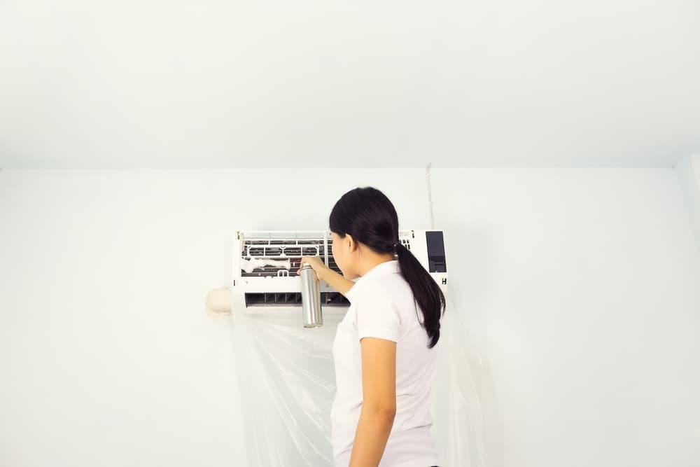 エアコンスプレー掃除