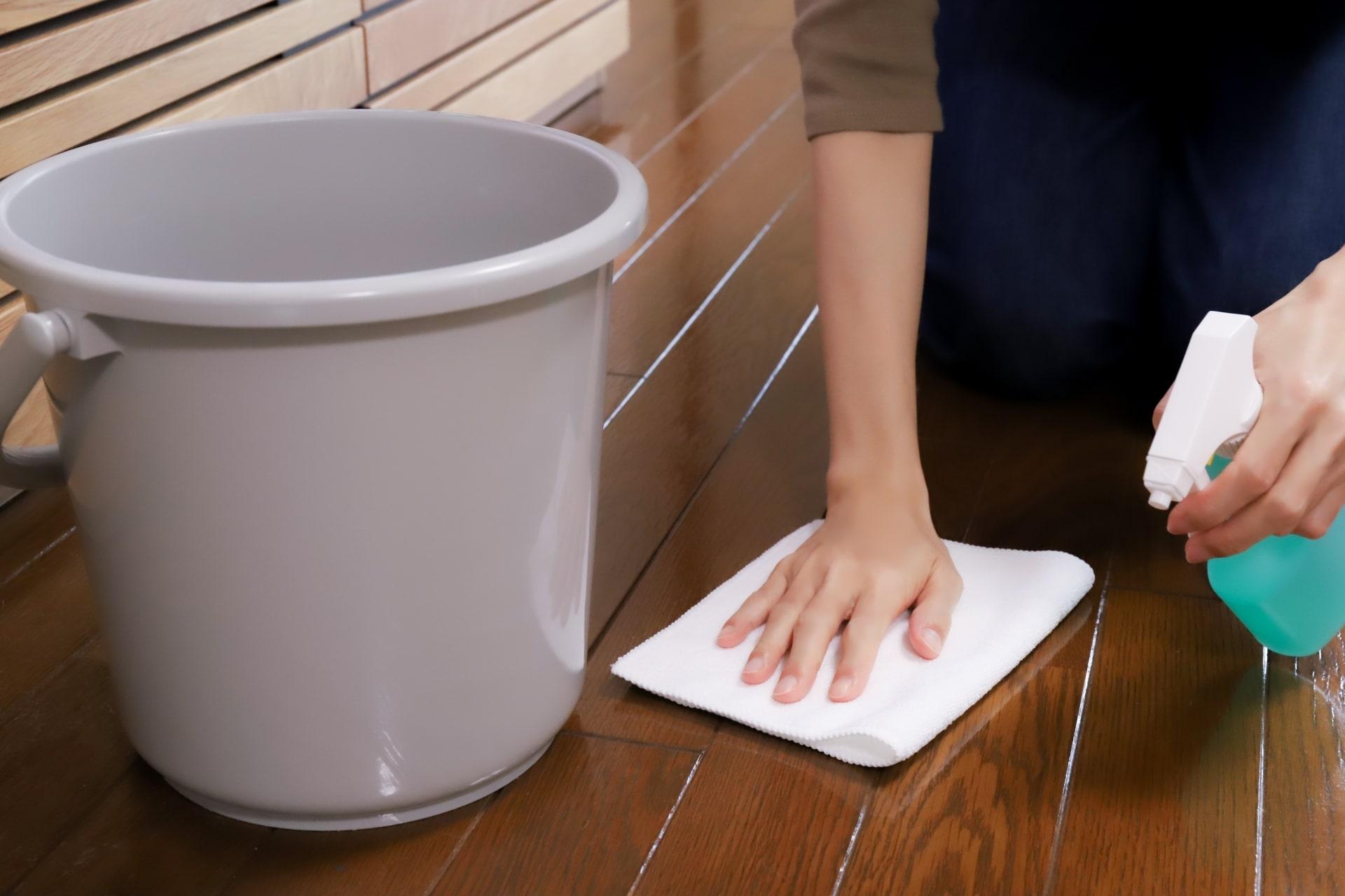 フローリングの拭き掃除