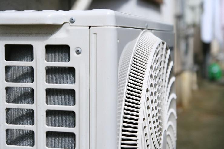 エアコンの側面
