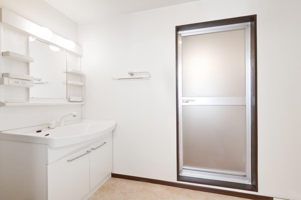 浴室を外から見る