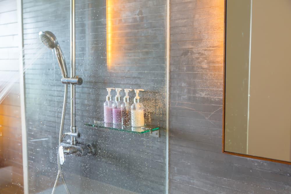 湿気の多い浴室
