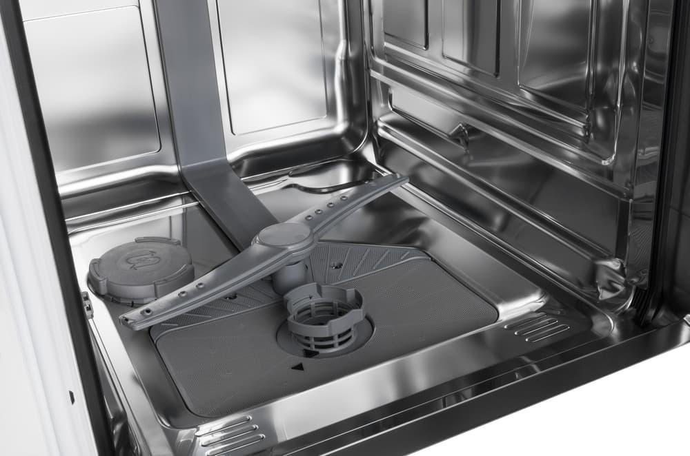 汚れのない食器洗い機の内部