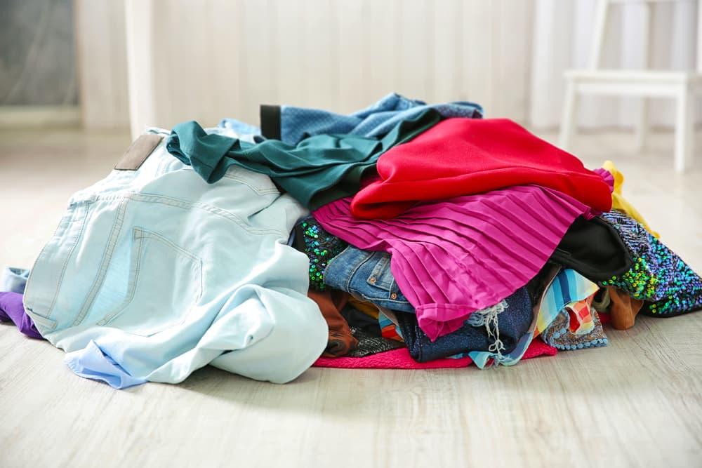 山積みの洗濯物
