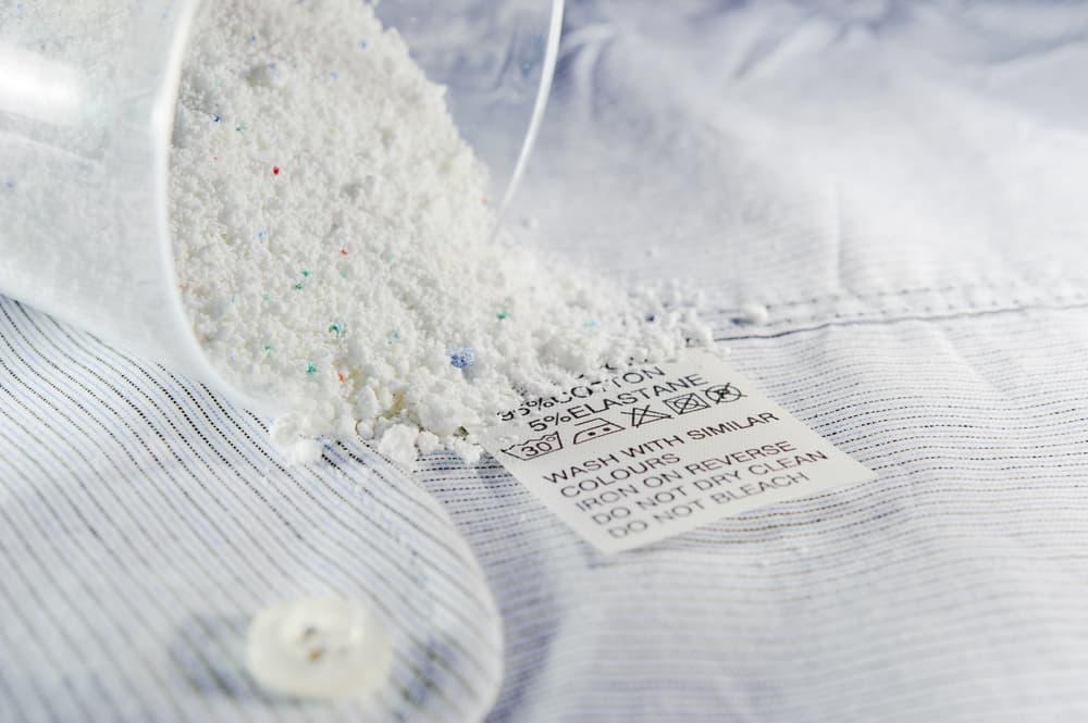 衣類と粉末洗剤