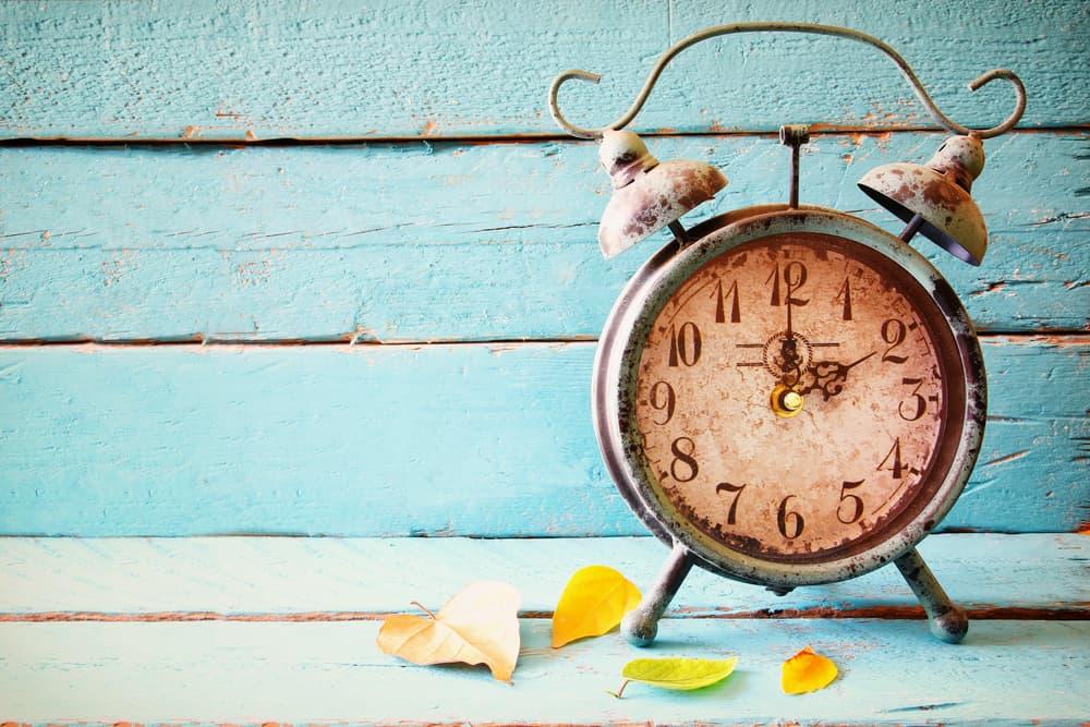 古い置き時計が置いてある