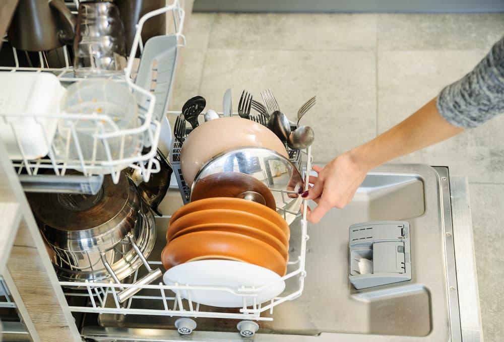 食器洗い機を開ける