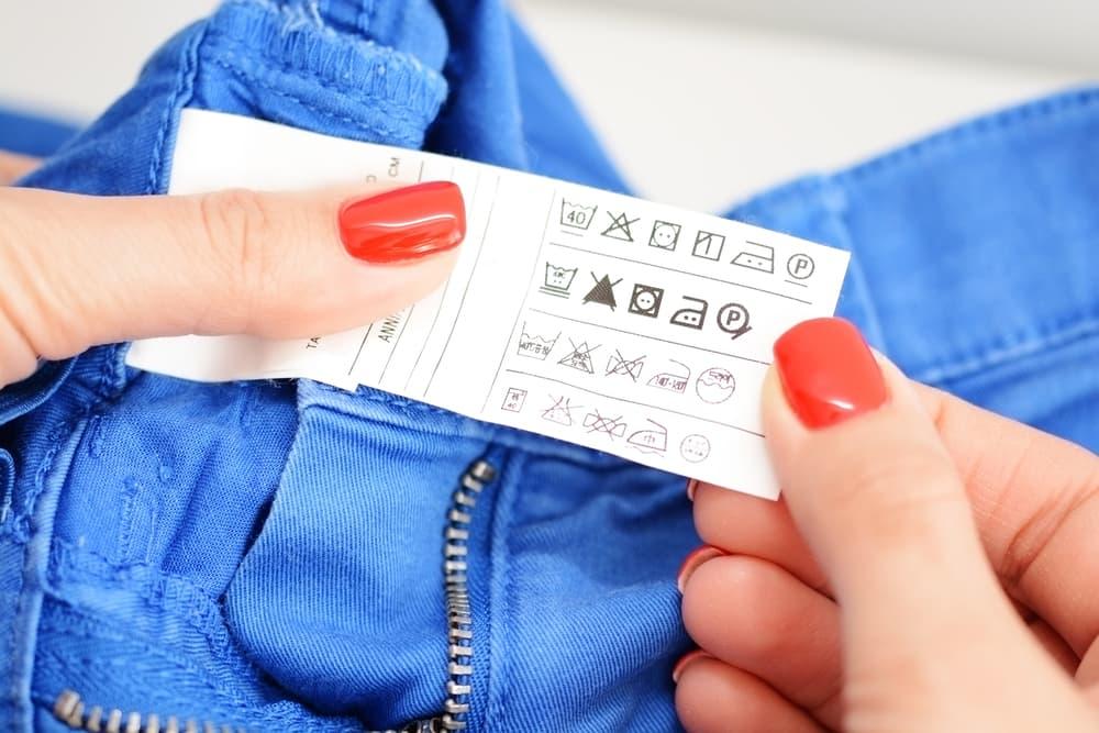 衣類の洗濯表示タグ