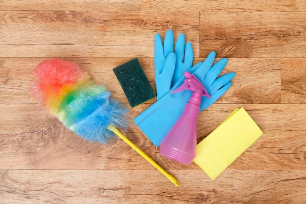一般的な掃除道具のアップ
