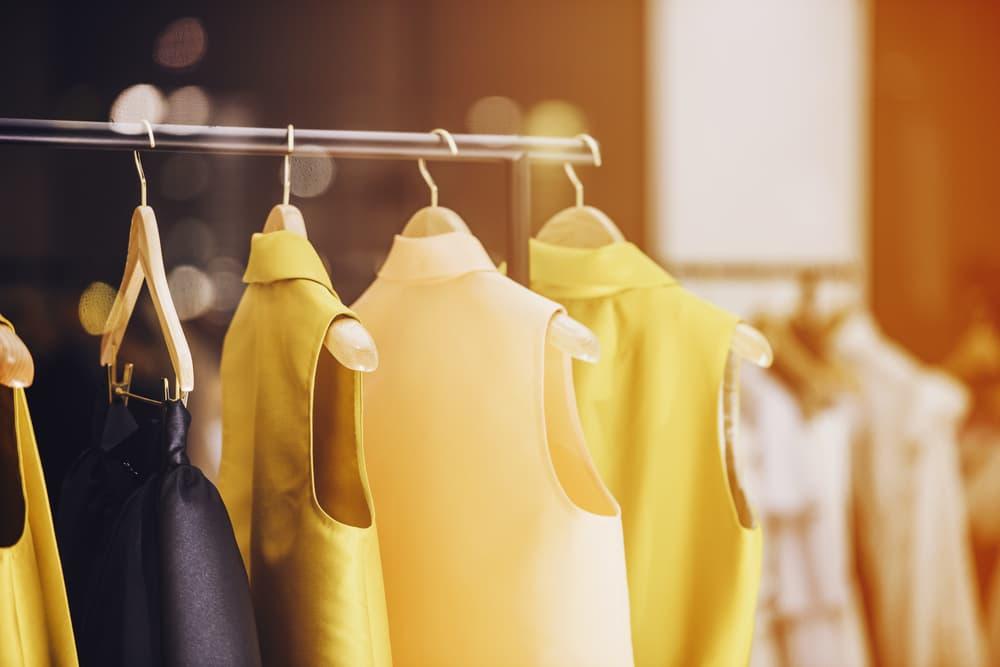 黄色系の衣類