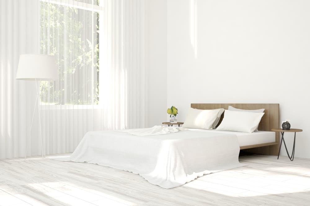 白を基調とした清潔な寝具