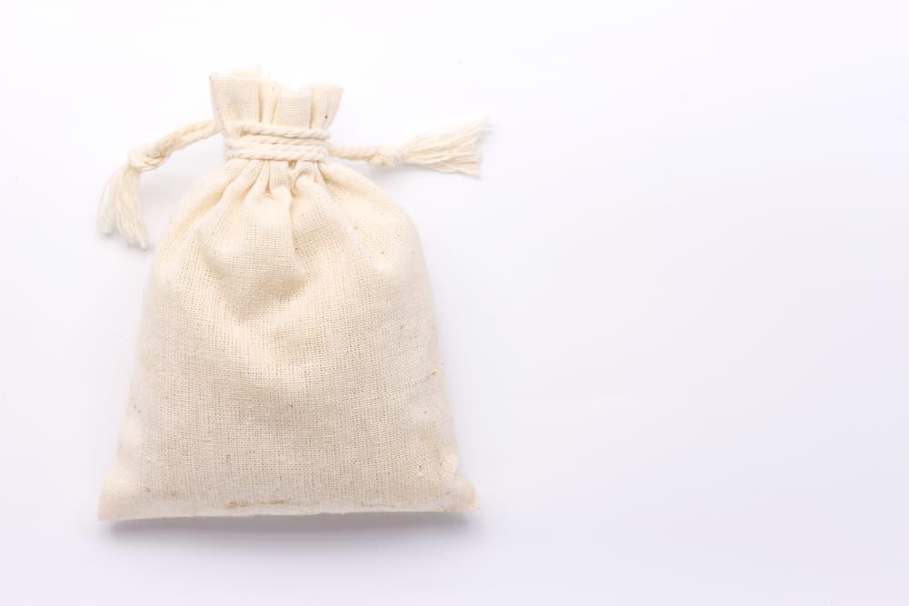 白い巾着袋