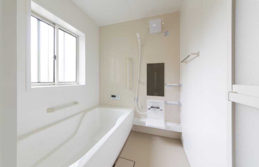 清潔感のある広い浴室