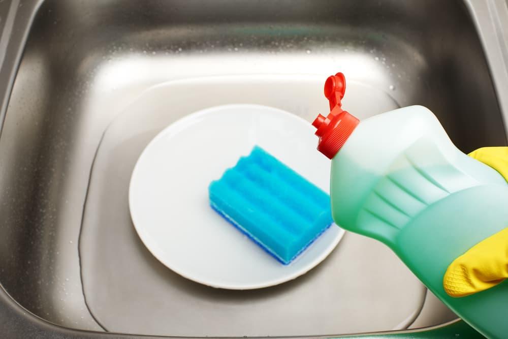 :シンクと食器用洗剤