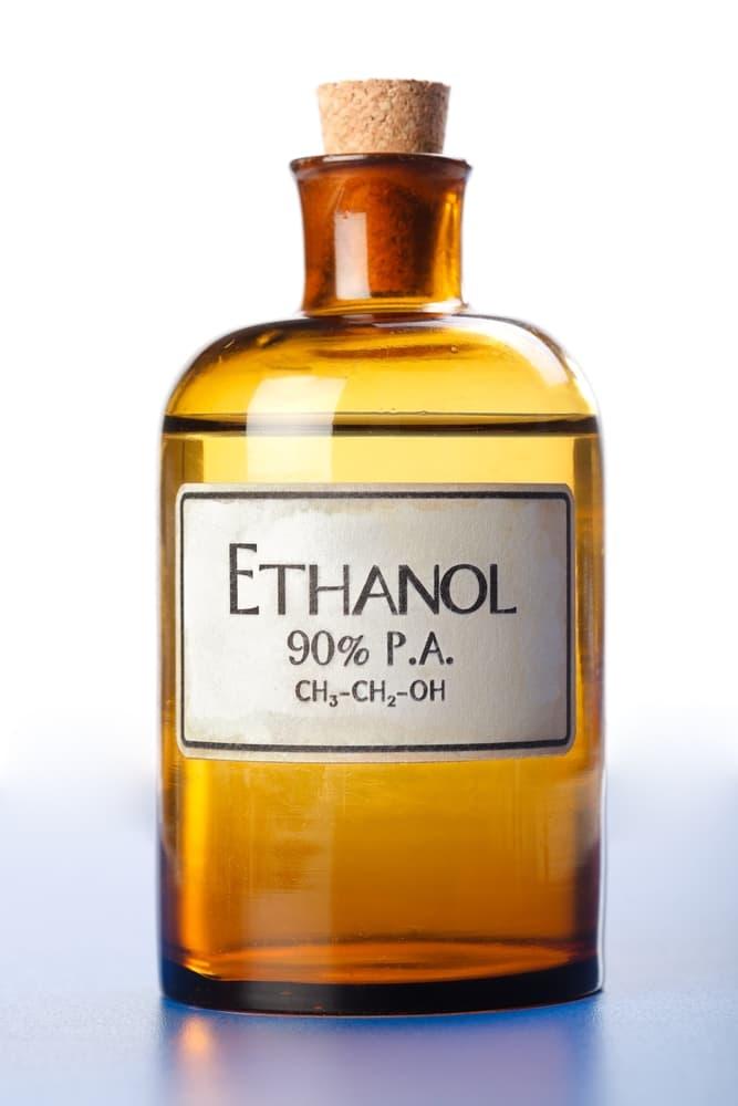 エタノールのアルコール瓶1本