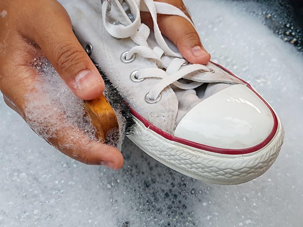 洗剤 靴 洗う
