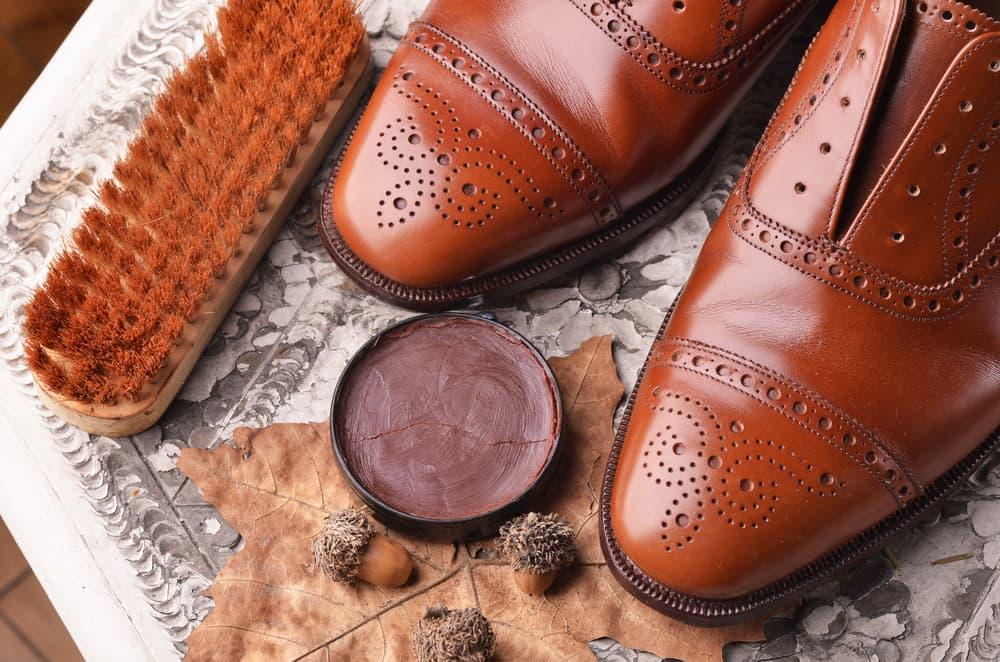 【革靴の伸ばし方】新品の革靴がキツイ ...